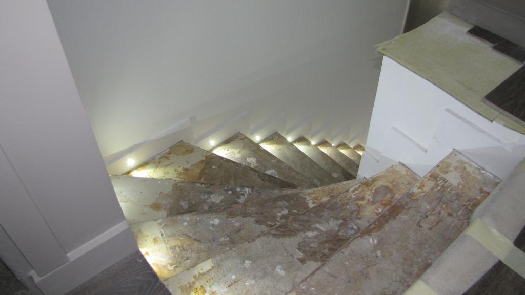 Réalisation de led dans escalier